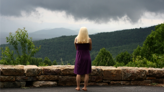 woman at skyline drive outlook